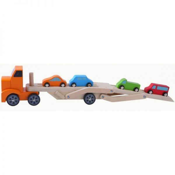medinis-sunkvezimis-su-4-automobiliais (2)